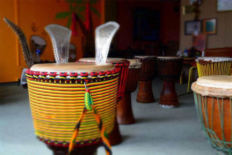 Vakarų Afrikos būgnai - išskirtinė dvasia, energija ir patirtis