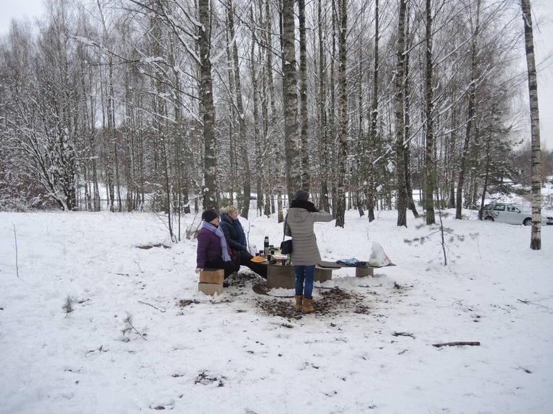 Žaidimo dalyvių šeimų nariai gali pailsėti gamtoje.