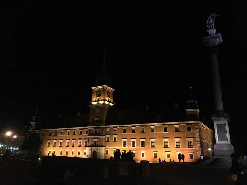 Varšuvos senamiestis naktį