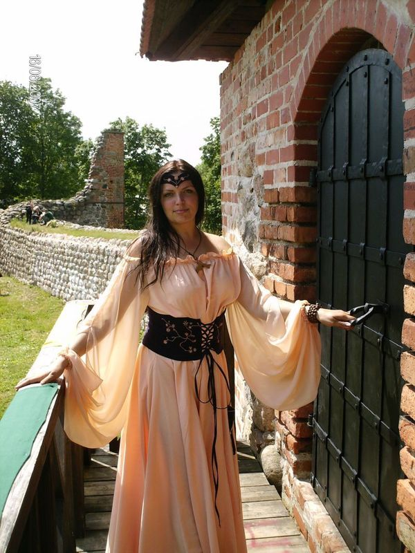 ANONSAS.LT - Viduramžių apranga Vilniuje ir Klaipėdoje